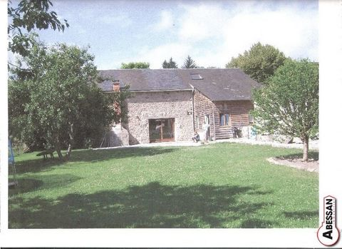 Sale Creuse (23) close to Ahun, this stone house to finish renovating approximately 180m. The house is endowed of double glazing. The property has oil central heating , water, electricity and a septic tank. It is situated on a plot of about 1500m att...