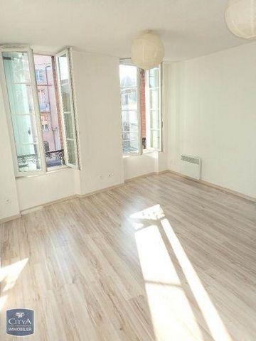 A LOUER/LOCATION SUR ALBI BOULEVARD VALMYLIBRE Appartement 2 pièces de 37 m² au premier étage, cuisine semi équipée ouverte sur le sejour,1 chambre avec placards aménagés, salle d'eau et WC. Le bien est soumis au statut de la copropriété Loyer de 405...