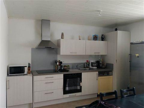 A Franois, village prisé du Grand Besançon, découvrez à la location cet appartement 3 pièces. D'une surface habitable de 50 m², il est situé au rez-de-chaussée dans un immeuble au cœur du village. Ce logement est composé d'une pièce de vie avec une c...