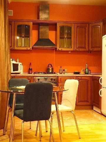 Лот: 7-201-495. Показ и договор сейчас, заселение с 1 апреля. Квартира в кирпичном доме, свежий евроремонт. Студия. Паркетные полы, стены покрашены. 1 санузел с ванной. Кухня встроенная. Вся техника. Подъезд в хорошем состоянии. Парковка свободная, н...
