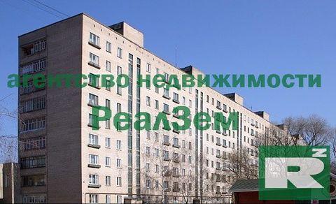 двухкомнатная квартира по адресу пр. Ленина, дом 95, на втором этаже девятиэтажного кирпичного дома постройки 1971 года. 56 кв.м Квартира сдается с мебелью и техникой. В зале: диван, ТВ, компьютерный стол, шкаф, комод. В спальне: двуспальная кровать,...