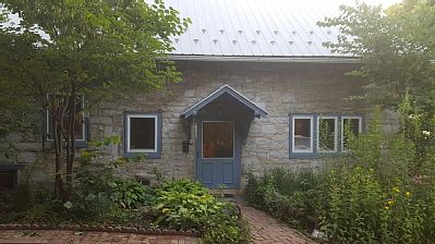 Recently renovated!!!   A charming 200-year-old stone cottage and stone barn in Mercersburg, Pennsylvania.