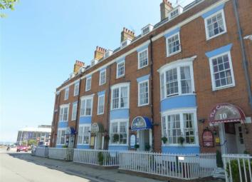 The Cavendale Hotel is an extremely established family hotel in the heart of Weymouth. Located in an enviable position, with outstanding views of the HARBOUR to the rear and WEYMOUTH BEACH to the front. There are NINE guest rooms, six having private ...