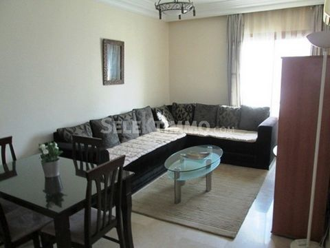 Nice furnished studio for rent in Racine. It consists of a living room with a guest bathroom, an equipped kitchen, a bedroom with bathroom. The apartment is sunny without overlooked. A place of garage is available. SeleKtimmo ©