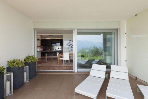 REF 7240 - Appartement T4 neuf situé au 4ème étage d'une résidence neuve à Angers Sud. TVA 5,5 % ! * Ce bien disposera de 80m² de surface habitable. L'entrée de l'appartement donnera sur le grand espace de vie Séjour/Cuisine de 33m² avec accès au gra...