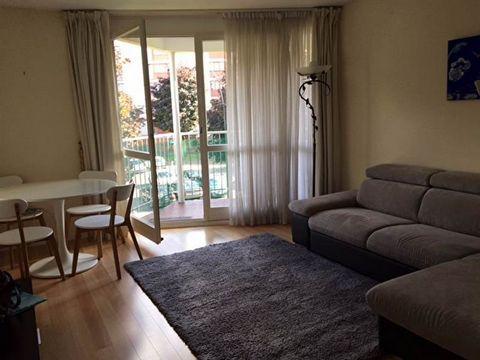 A louer à Longjumeau ! Appartement PROPRE de 3 pièces NON MEUBLE de 59.24 m², proches de toutes commodités Comprenant : une entrée, une cuisine indépendante aménagée et semi équipée avec cellier, un séjour avec balcon, deux chambres dont une donnant ...