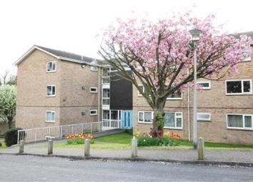 A beautifully refurbished one bed second floor apartment just 10 minutes walk from the city centre. The property is bright and neutrally decorated and has been finished to a very good standard. There are white goods provided in the kitchen. Double gl...