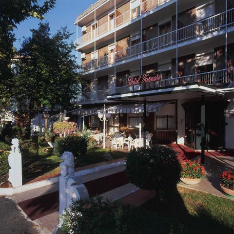 This lovely hotel is located in Salsomaggiore Terme 300m from the Public Spa in the province of Parma, Northern Italy. It is a 3 star hotel with a built size of 2700 square metres in a plot of land of 1900mq and consists of 65 rooms with a total of 1...