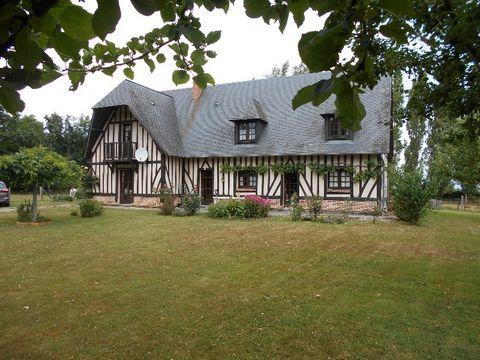 Pour les amateurs de nature. Trouvez votre havre de paix dans le hameau de Jonqueret de Livet, à 10 km au sud de la gare de Bernay. Vous êtes entourés par des chemins de randonnées entre campagnes et forêts. Les 5 chambres vastes seront accueillir vo...