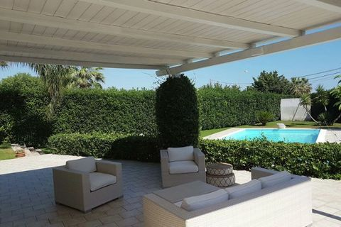 Newly built villa, modernly decorated in the resort of Playa Grande near the Irminio nature reserve, and just a few kilometers from the tourist town of Marina di Ragusa. The villa is ideally located for excursions through eastern Sicily; Within a few...