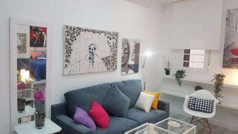 Apartment renovated and furnished recently in Chamberí area, next to the Glorieta de Cuatro Caminos. Floor 35 m2, ground floor, bright, with 5 windows to two patios. Laminate flooring, lacquered aluminum windows with thermo-acoustic insulation. Smoot...