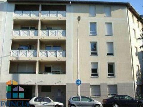 Proche Grange Blanche et hopitaux, dans résidence de calme avec balcon un appartement de type3 comprenant une cuisine, un séjour, 2 chambres, une salle de bains, wc, placardsAssurance Multirisques Privilège comprise*: 14.09 € / mois*Services facultat...