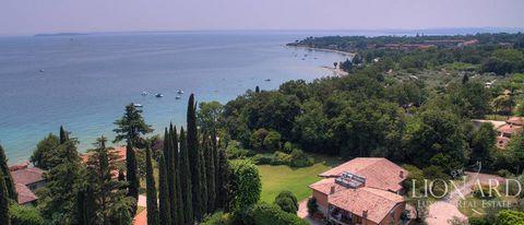 Продада виллы на озере Гарда ЦЕНА: € 7.500.000 - руб 534 450 000 Продажа виллына озере Гарда В Манерба-дель-Гарда на берегу озера выставлена на продажу роскошная вилла. Вилла была сооружена в шестидесятых годах инженером Марко Моретти , создателем мн...