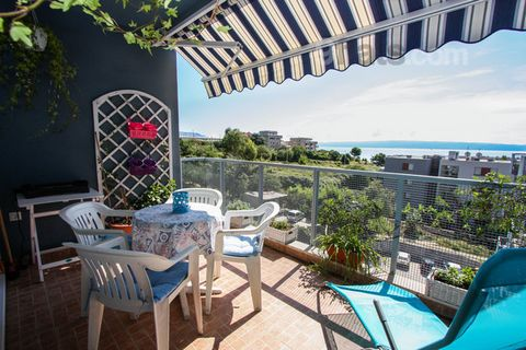 Beautiful sea view three bedroom apartment, modern and luxury decorated, completely furnished and equipped. Located in quiet area just 200 m away from numerous pebbled beaches and promenade with lots of coffee bars, restaurants and children's playgro...