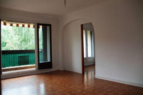 LA MOTTE SERVOLEX Centre ville, Appartement T4 4 Room (s) 75 m², 1 Cellar, 3 Bedrooms