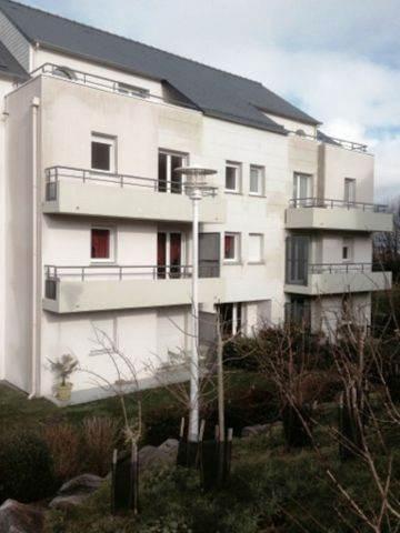 belle résidence verdoyante, parking sécurisé, au 2ème étage, balcon, cuisine équipée.