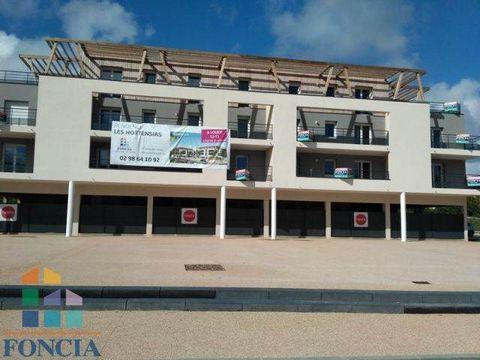 Venez découvrir lors de nos PORTES OUVERTES LES 22 ET 23 SEPTEMBRE ce T2 de construction neuve, normes BBC balcon terrasse, parking, cave