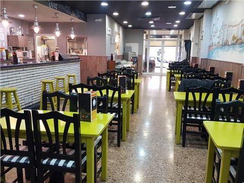 BAR RESTAURANTE EN TRASPASO O VENTA EN PLENO FUNCIONAMIENTO en CAN RULL, muy próximo a la entrada a Sabadell por la C-58. 179 m² útiles distribuidos en entrada de 20 m² y 80 m² de salón comedor, cocina 18 m² junto con barra de 12 m², almacén 15 m² y ...