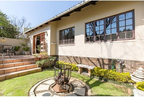What more could you ask for in this beautiful semi freestanding (no one above or below) single level home, it has a wonderful open-plan living area with sliders to entertainers patio and cute well maintained pet friendly and private walled garden, mo...