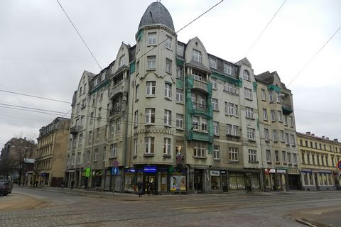 For sale first floor commercial premise with total area 299,7 sq.m. with stable and real cashflow 6% return in a year, on Krisjana Barona and Stabu street intersection, monthly income 3299.60 EUR. Average lease cost is 10 Eur/sq.m, which can go highe...