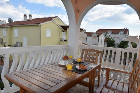 Villa Dolmar is located in the well-known tourist town of Bodice, just 800 m from the centre and 600 m from the beach. Bodice beach offers a number of good beach bars where you can drink a cup of coffee in the morning or have a nice drink in the even...