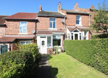 Mid terraced house - - two double bedrooms - popular residential location - offered for sale with the benefit of no onward chain - viewing recommended. Description We are delighted to offer for sale this delightful mid terraced house situated with Hi...