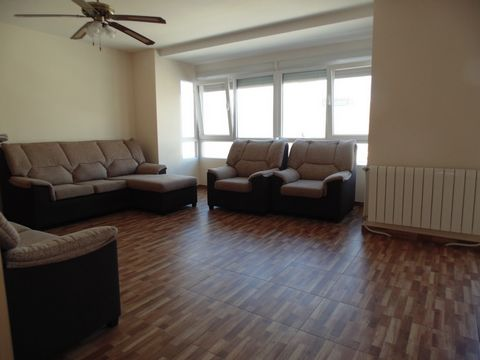 Sunny apartment to enter to live, all refurbished: plumbing, electrical installation, all pipes to the floor, plaster ceilings, painting, in Carolinas Bajas, Avenida de Jijona, all exterior, 4th floor, a single neighbor per floor, a large balcony 7m2...