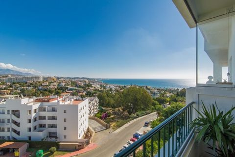 Apartment for sale in Miraflores, Mijas Costa, with 2 bedrooms, 2 bathrooms and has a swimming pool (Communal), a garage (Communal) and a garden (Communal). Regarding property dimensions, it has 100 m² built, 13 m² terrace. This property, with orient...