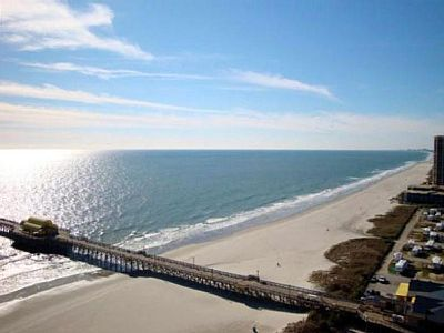 The 02 unit at the Margate Tower is the premier vacation residence in Myrtle Beach. Nothing comes close to the open living spaces and unparalleled views.