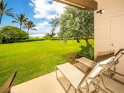 This 739 sq. ft. vacation unit steps out into an expansive grassy lawn just steps from the ocean. Unit 127 features charming artwork and décor to add a bit of personality to your vacation accommodations. Rates: weekend - from 455.94 to 810.9 USD Rate...
