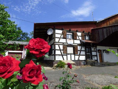 Maison avec ferme proche Suisse