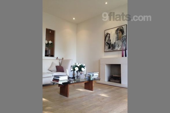 Composition: kitchen, 2x bedroom, bathroom, 2x WC Amenities: air conditioning, wireless internetWelcome to my home and welcome to this amazing city! This is a two bedroom two bathroom apartment on the 3th floor (don't worry though, if like us you nev...