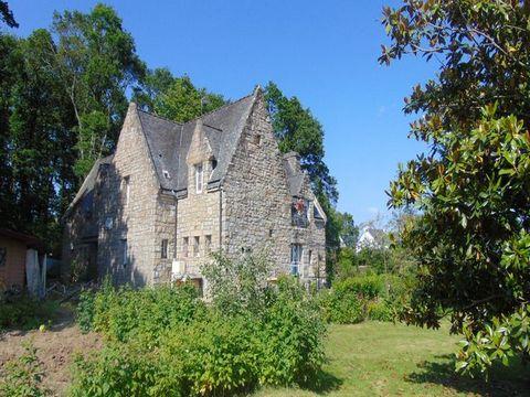 Maison Bretonne en pierre en parfait état au milie