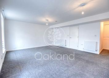 Viewings and phone lines available from 8am to 8pm, Monday to Sunday. Oakland Estates is proud to present a spacious 1 bedroom apartment available on High Street, Barkingside only minutes away from Barkingside & Fairlop Station (Central Line). This p...