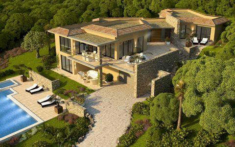 A l'abri des regards et dans un domaine privé entre Ste Maxime et St Tropez, cette villa avec vue mer devrait séduire ceux qui aiment la qualité. D'une construction remarquable, elle se compose de 5 chambres en suite pour la partie nuit. Dossier comp...
