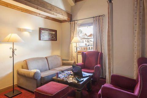 La résidence Le Village offre différents appartements pour 4 (FR-73700-42 et FR-73700-43), 6 (FR-73700-36 et FR-73700-44), 8 (FR-73700-45) et 10 personnes (FR-73700-37). Les appartements chalets sont aménagés de manière confortable et stylée avec un ...
