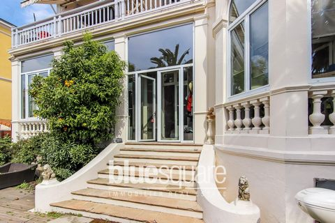 Beautiful 3 bedrooms apartment located on the ground floor of a 1920s Cannes villa.Living room with chimney, equipped American kitchen, 3 bedrooms, 1 bathroom, 1 shower room, and 2 toilets.Veranda, bow window, and very nice outside garden including t...