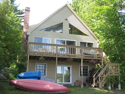 NH Lic #: 030524 This is a great waterfront vacation rental located on Big Pea Porridge Pond in Eidelweiss Village. This vacation style home accommodates up to 8 people with 4 bedrooms and 2 baths.