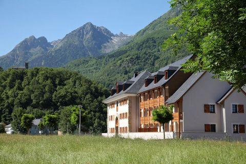 À 500 m du centre de Luz Saint Sauveur, la Résidence «Le Domaine du Val de Roland», est située au carrefour de 3 vallées: la vallée de Luz, la vallée de Barèges et la vallée de Gavarnie. Cette localisation privilégie alors accès tout proche aux plus ...