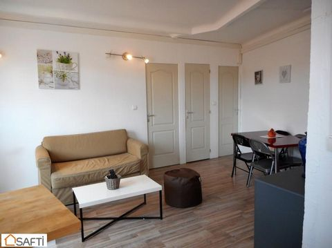 Anglais : Apartment T3, 41 m² to COLLIOURE! A few metres from the Castle and the historic centre of Collioure, I offer this beautiful T3 furnished and renovated. Double glazing, equipped kitchen, 2 balconies. Ideal for seasonal rent (rented €800 week...