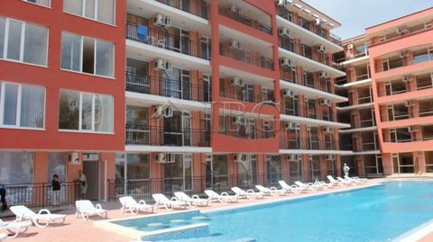 Burgas. Large furnished studio with pool view in the centre of Sunny Beach IBG Real Estates offers a large studio for sale in the heart of the biggest resort on the Black Sea coast - Sunny Beach. The complex is only 350 meters from the beautiful sand...