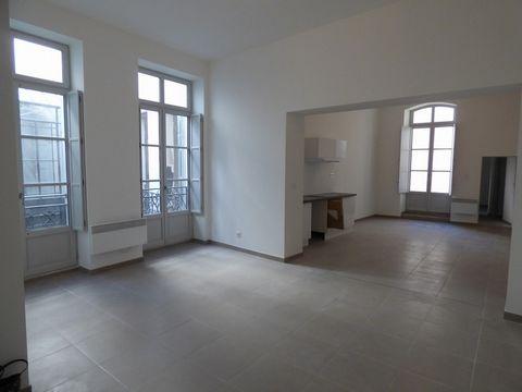 BEZIERS Centre ville, Appartement T2 2 Room (s) 64 m², 1st Floor, 1 Bedroom, Living-room 43.25 m²