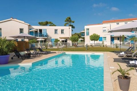 SAINT PALAIS SUR MER is a charming seaside resort just 10 km away from Royan. It offers its fine sandy beaches, its leisure park of 16 ha where you can practice a wide range of sports: promenade, mini-golf, tennis courts, fishing ... and its magnific...