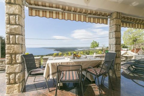 Holiday apartment Doda is located in small and quiet place Brovinje, only 2 km from neighboring Koromacno where is a shop, restaurant, café and an ATM at guest's disposal, as well as few smaller beaches and bays. In Kormacno there is also a cement fa...