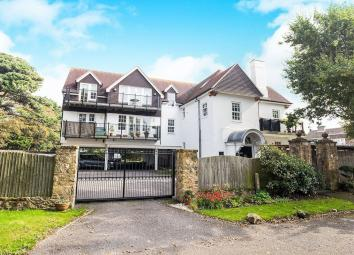 An exceptionally well presented first floor apartment situated on a private road yards from the promenade in Aldwick. With a lift to all floors the property comprises of two double bedrooms, large inviting living room with access to balcony. This has...