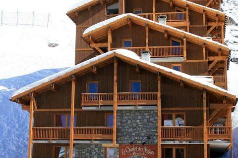 La Résidence Plein Sud comporte 4 chalets mitoyens plus grands avec au total 13 appartements. Ils ont un aménagement extrêmement confortable et élégant et disposent tous d'un balcon. A partir de l'appartement pour 6 personnes, ils proposent même une ...