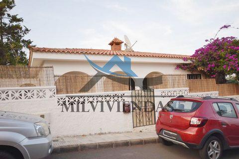 250.000€ VENTA chalet en la zona de Las Pilettilas, Telde Telde chalet en la zona de Las Pilettilas,Telde Precio de venta €250.000 120m2 construido (solo 50 m2 están en la escritura pero la casa hubo una ampliación hace tiempo) La parcela es de 450m...