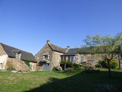 RIEUPEYROUX hameau, Longère - Corps de ferme 6 Room (s) 230 m², 1 Floor, Land 25756 m², 3 Bedrooms, Fitted kitchen