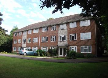 Inclusive of water rates and also boasting a garage, we are pleased to offer for rent this very well presented 2 double bedroom first floor flat within walking distance of both Westbourne and Bournemouth. Fully modernised, this property is presented ...