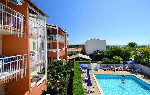 Le grand et dynamique station balnéaire du Cap d'Agde en Languedoc offre 14 km de plages de sable fin, un port de plaisance de loisir de 3000 amarres, tous les sports nautiques et autres activités sportives, un golf de 18 trous et un club de tennis i...